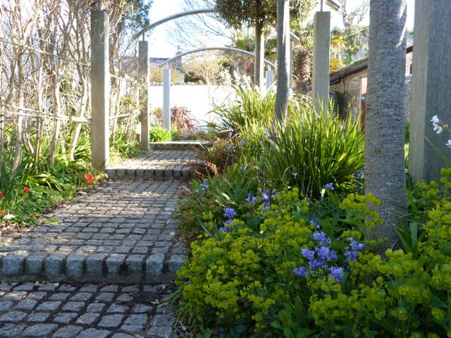 Awelon garden entrance path